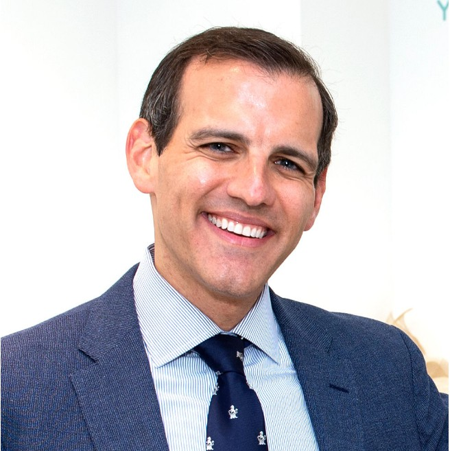 Dr. Steven Davidowitz Selected to Contribute to Smile!  Creating Healthy and Beautiful Smiles with Cosmetic Dentistry