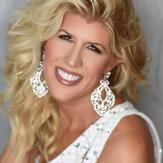 Susan Hefner Crowned Ms Texas at National Elite Texas State Pageant