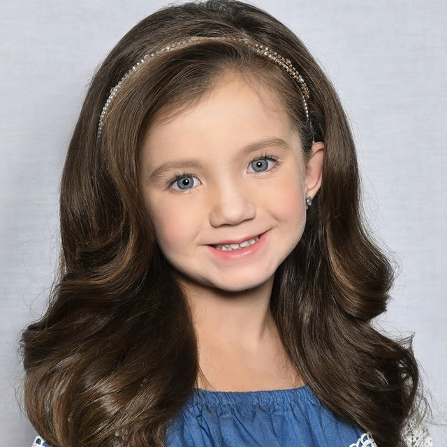 Leighton McBroom Crowned Mini Miss Texas at National Elite Texas State Pageant